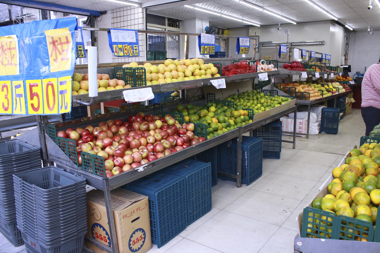 水果攤、當季水果(圖/記者黃克翔攝)