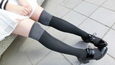 【捲喵穿搭日誌】女孩的絕對領域穿搭!極致膝上襪誘惑