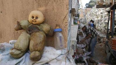 瓜地馬拉沒錢租墓穴 清潔工挖墳成「嬰屍」守護神