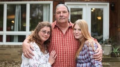 60歲牧師擁兩個老婆,第二個只有19歲捏..