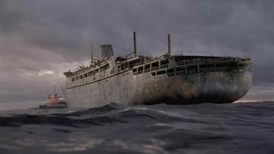 兄弟晚上出海撞到無人船 船上的人去哪了..(°Д°)
