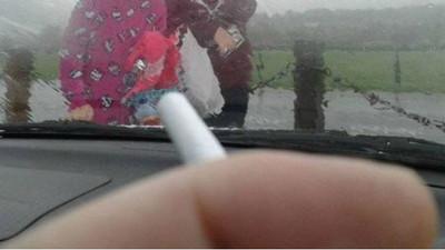 孩子在車內禁菸政策 國外鄉民打臉圖:天氣惡劣怎辦?