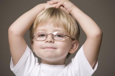 驗光師破解「兒童配鏡2大迷思」 配太輕度數只會飆更快