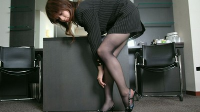 票選「最想看女生穿的褲襪」,工口度打敗黑絲的是..?