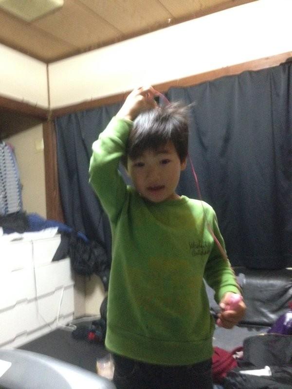 弟弟在姐姐房間找到的玩具…我說你,玩完記得洗手