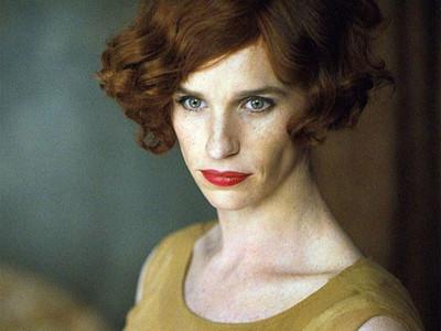 裘德洛比女人更女人!9位「男扮女裝」的好萊塢男星