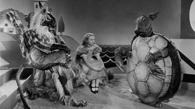 1933年版《愛麗絲夢遊仙境》,陰森程度根本是鬼片啊