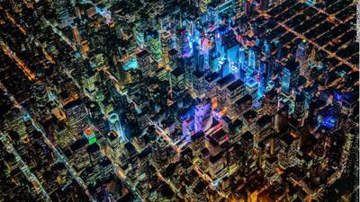 1萬英呎空拍城市夜景,宛如超現實夢境