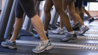 跑步機vs戶外慢跑哪個好?專家提供4種意見你聽聽