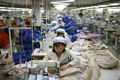 北韓密啟開城工業區 掩蓋產地一律無衣標