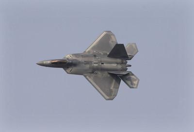 美軍F-22首次部署卡達
