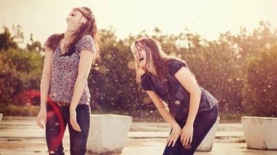 「新朋友VS好麻吉」差異,熟透老友才會大聲笑你