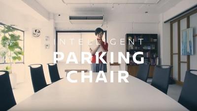 拍個手就自動歸位的聲控椅,這樣以後都不能鼓掌了捏