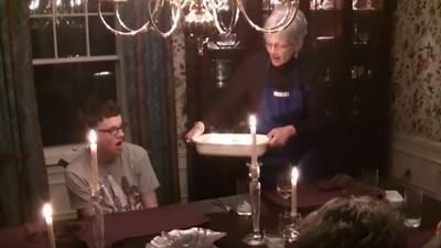 有些蛋糕不適合慶生,小心吹不得的粉塵蛋糕