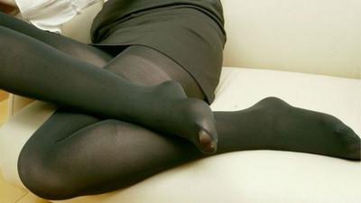 黑絲襪の破壞力!發現「微透膚」異常誘人...