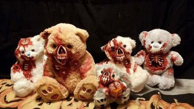 《內臟露出泰迪熊》買回家後..覺得那雙眼一直看著我