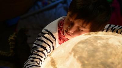 滿足對月亮的渴望~月球燈Luna用光輝治癒孤寂