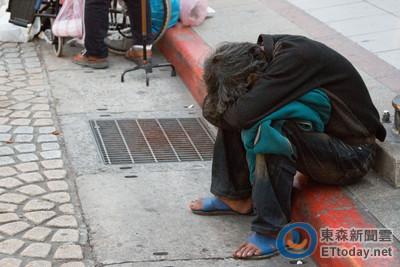 網友熱議「萬華街友都敗類」,社工:他們其實有工作