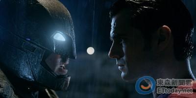 得獎公布/《蝙蝠俠對超人》來選出蝙蝠俠大戰超人你挺誰?