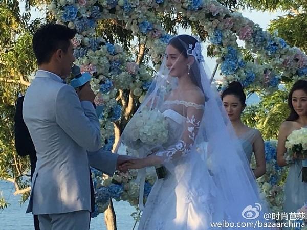 劉詩詩踩花海出嫁 吳奇隆哭了「我會聽話的」許誓詞