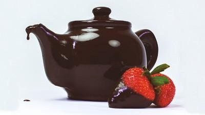 注入熱水可以當巧克力鍋,融你口又融你手的巧克力茶壺