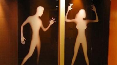 除了♂♀還有其它標誌,知道女廁為什麼經常在右邊嗎?