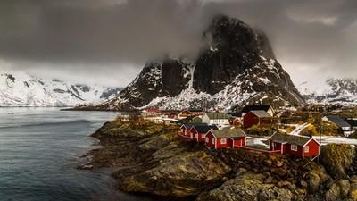 龍飛翔過的傳奇天地,挪威羅弗敦島極光壟罩無敵海景