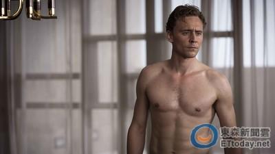 湯姆希德斯頓裸臀銷魂 《摩天樓》10分鐘脫一發列18禁