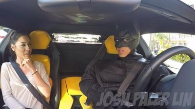 手機叫Uber,結果蝙蝠俠開了輛藍寶堅尼來載你⊙ˍ⊙