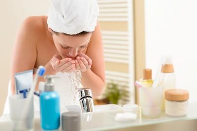 「發熱卸妝凝膠」洗臉更乾淨? 醫搖頭:5族群用了反更糟