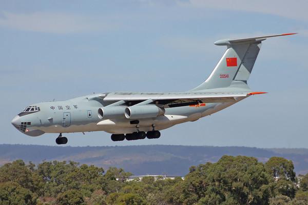 解放軍的軍用運輸機,幾乎都是從俄羅斯購買二手的伊爾-76。(圖/翻攝自維基百科)