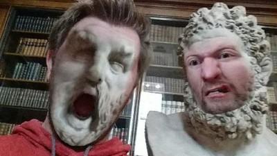 去博物館玩換臉app 啊啊啊我臉被風化惹(驚恐)