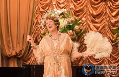 梅莉史翠普唱歌被糗大走音! 感嘆:以前差點去唱歌劇