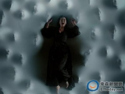 林心如挑戰「鬼壓床」 最怕床下百雙手捏屁股、襲胸