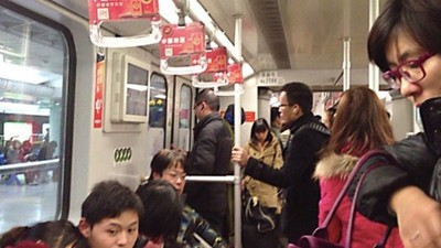 電車到站先下19人再上17人..現在剩多少舊乘客怎麼算?