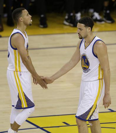 NBA季後賽/柯瑞秀背後換手三分 湯神:他救了我們