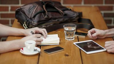 帶筆電去咖啡店工作3理由,你是越吵靈感源源不絕型?