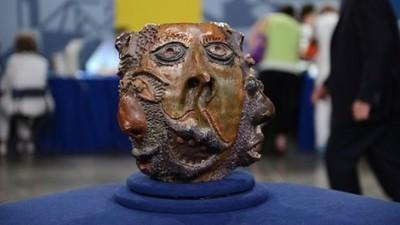 綜藝節目認證百萬骨董...那是我的高中陶藝作業啦!