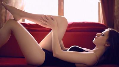 讓♂愛上妳的性感,笑得像個笨蛋❤女孩魅惑滾床11招
