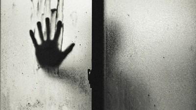 傳說中10種死亡徵兆(下),聽到「敲門三下」最好別開..