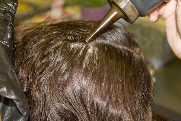 染頭髮,染髮。(圖/達志/示意圖)