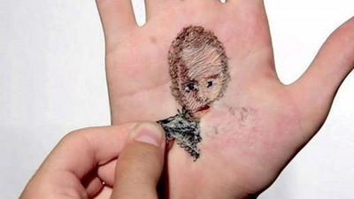 把親人刺進「手掌刺繡」,撕下血肉瞬間我寒毛直豎