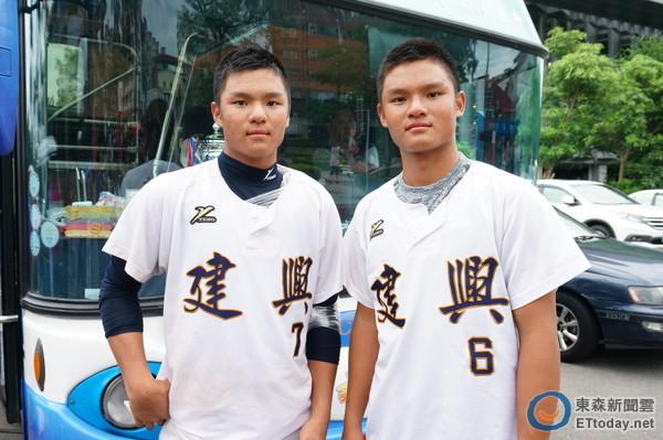 台南市隊雙胞胎陳柏均(左)、陳致均(圖/記者許雅筑攝)