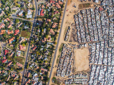 """一個國家兩個世界!南非貧富差距用""""看""""的體會"""