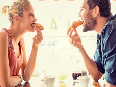 交個男友崩壞成歪妹!9理由交往後會有「幸福肥」啦!