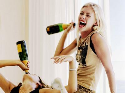 9種酒鬼才有的特質!最討厭聽到「少喝點」