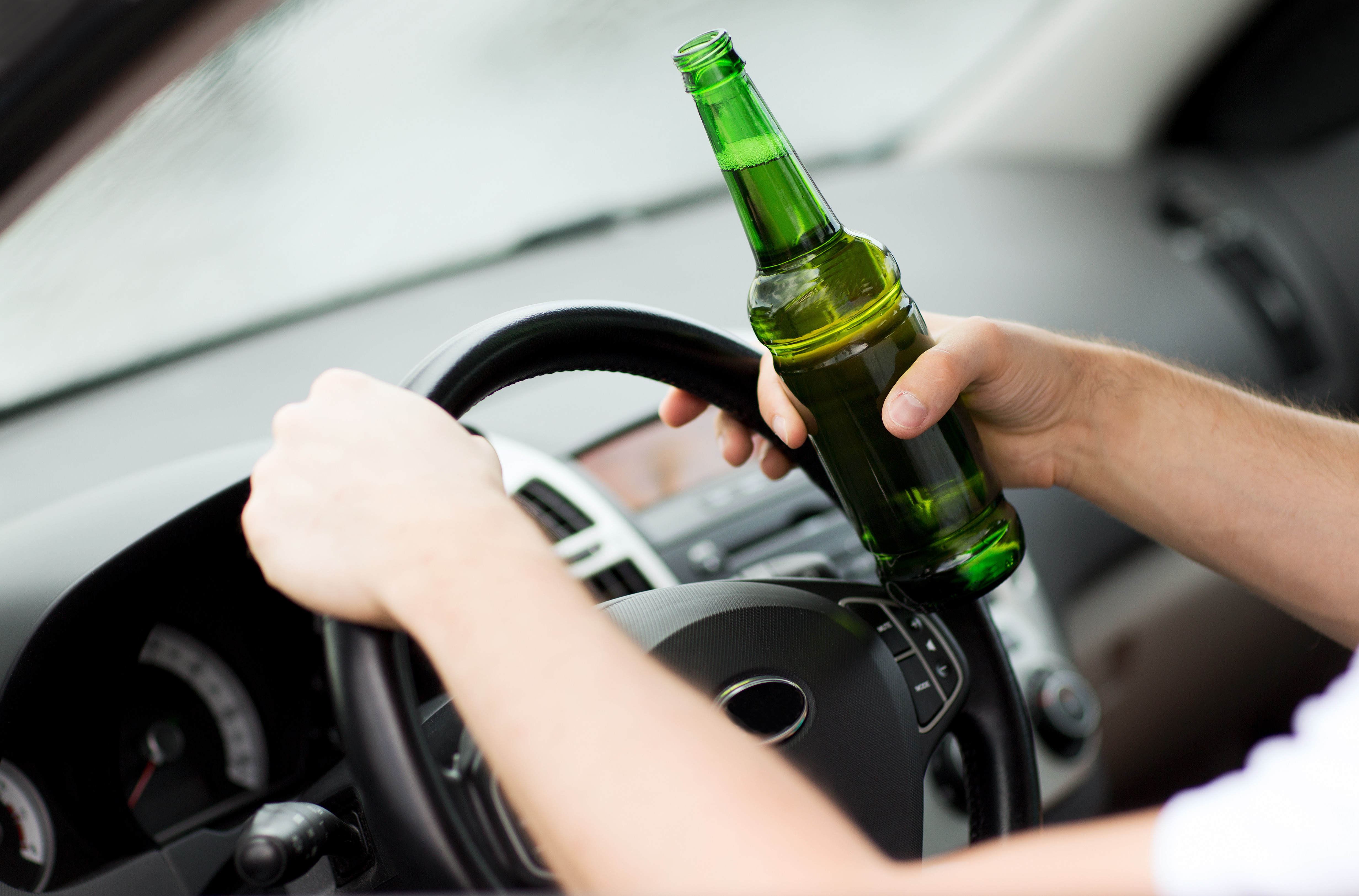 酒駕,代駕,酒後駕車,開車,喝酒。(圖/達志/示意圖)