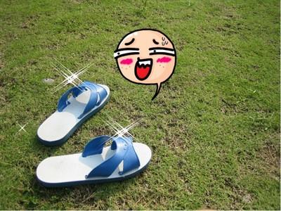 颱風天潮出水!6款「抗颱戰鞋」果然還是藍白拖完勝