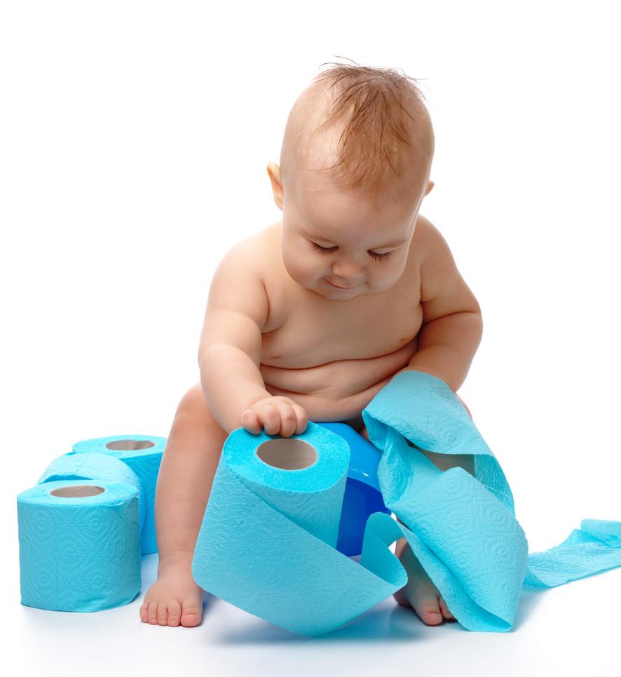 嬰兒玩衛生紙。(圖/達志/示意圖)