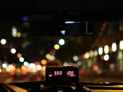 每早六點起床的浪漫 那夜我在計程車上遇到的司機阿貝